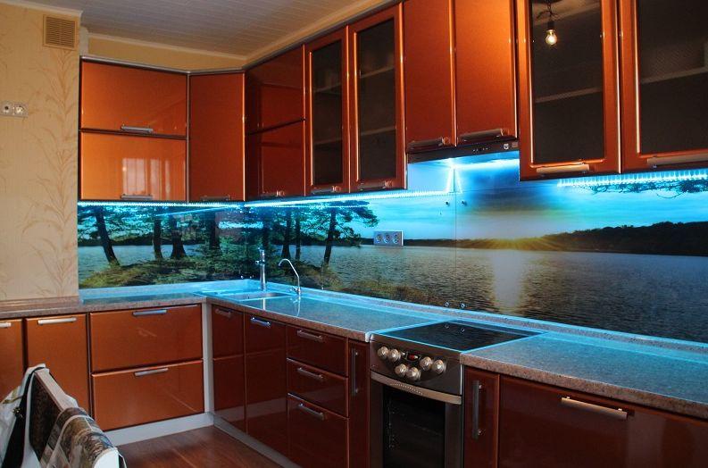 скинали для кухни из стекла с подсветкой фото