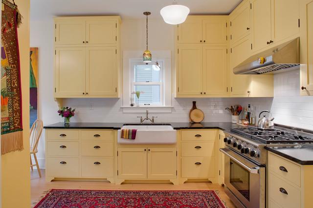 Дизайн кухни только с нижними шкафами