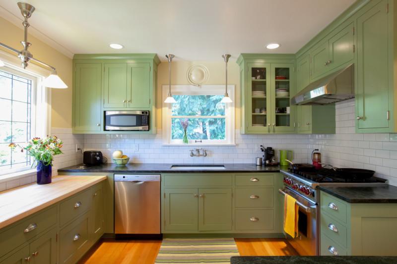Дизайн кухни в зеленом цвете-фото