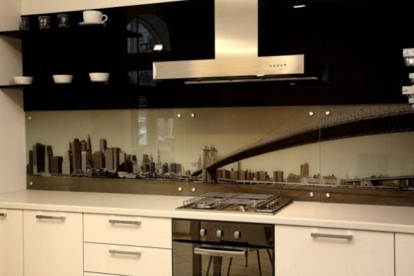 стеклянный кухонный фартук фото